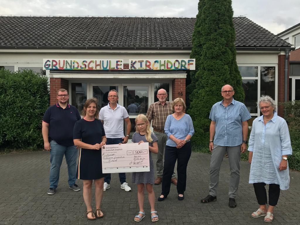 Spendenübergabe an den Förderverein der Grundschule Kirchdorf